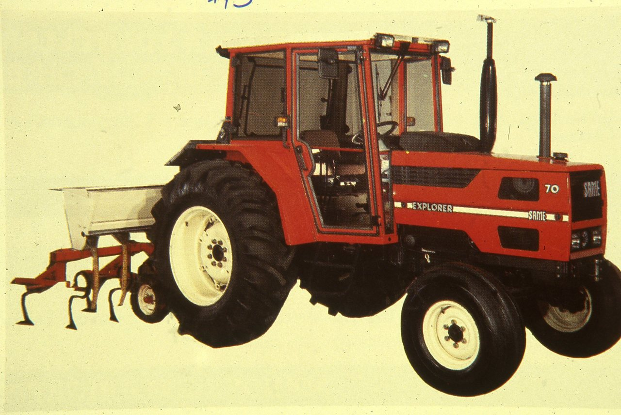 [SAME] trattore Explorer 70 con ripuntatore in studio fotografico