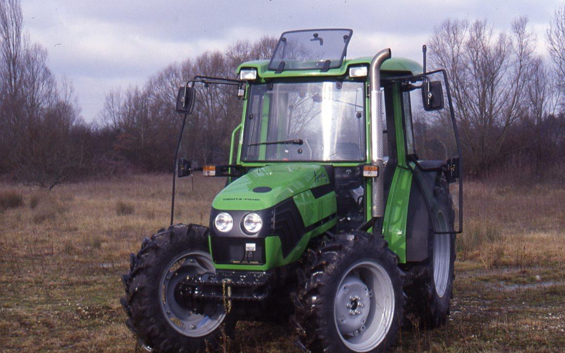 [Deutz-Fahr] trattore Agroplus 70 in campo