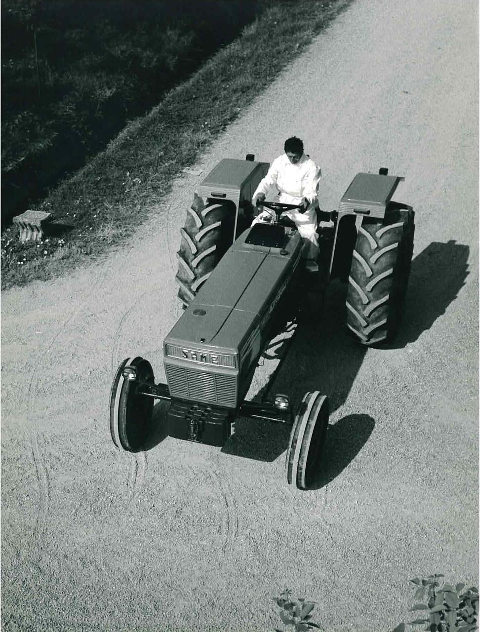 Trattore modello DRAGO 90, prototipo