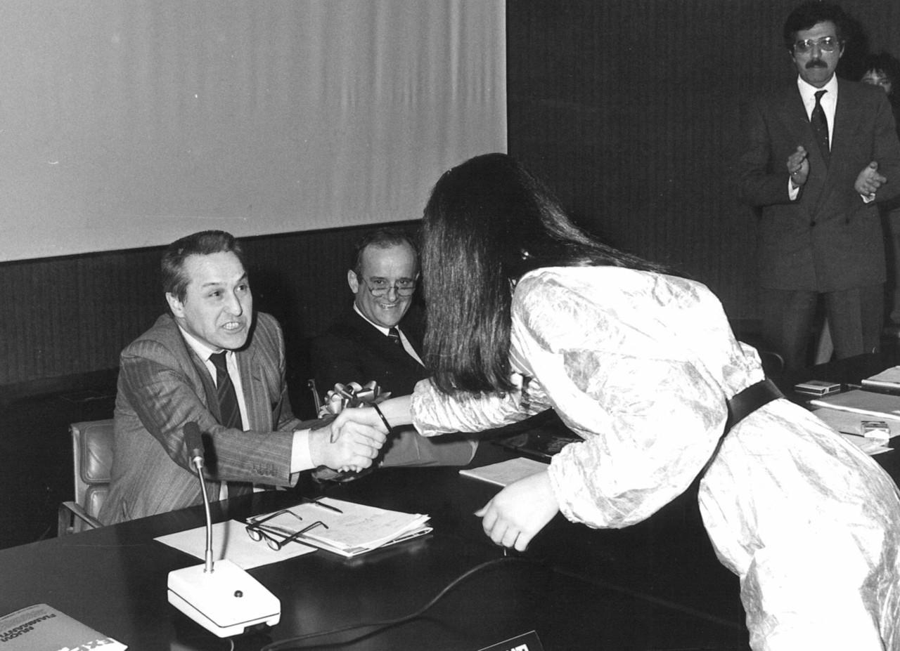 Rag. Pietro Recanati e Ing. Remo Micheletti durante una premiazione