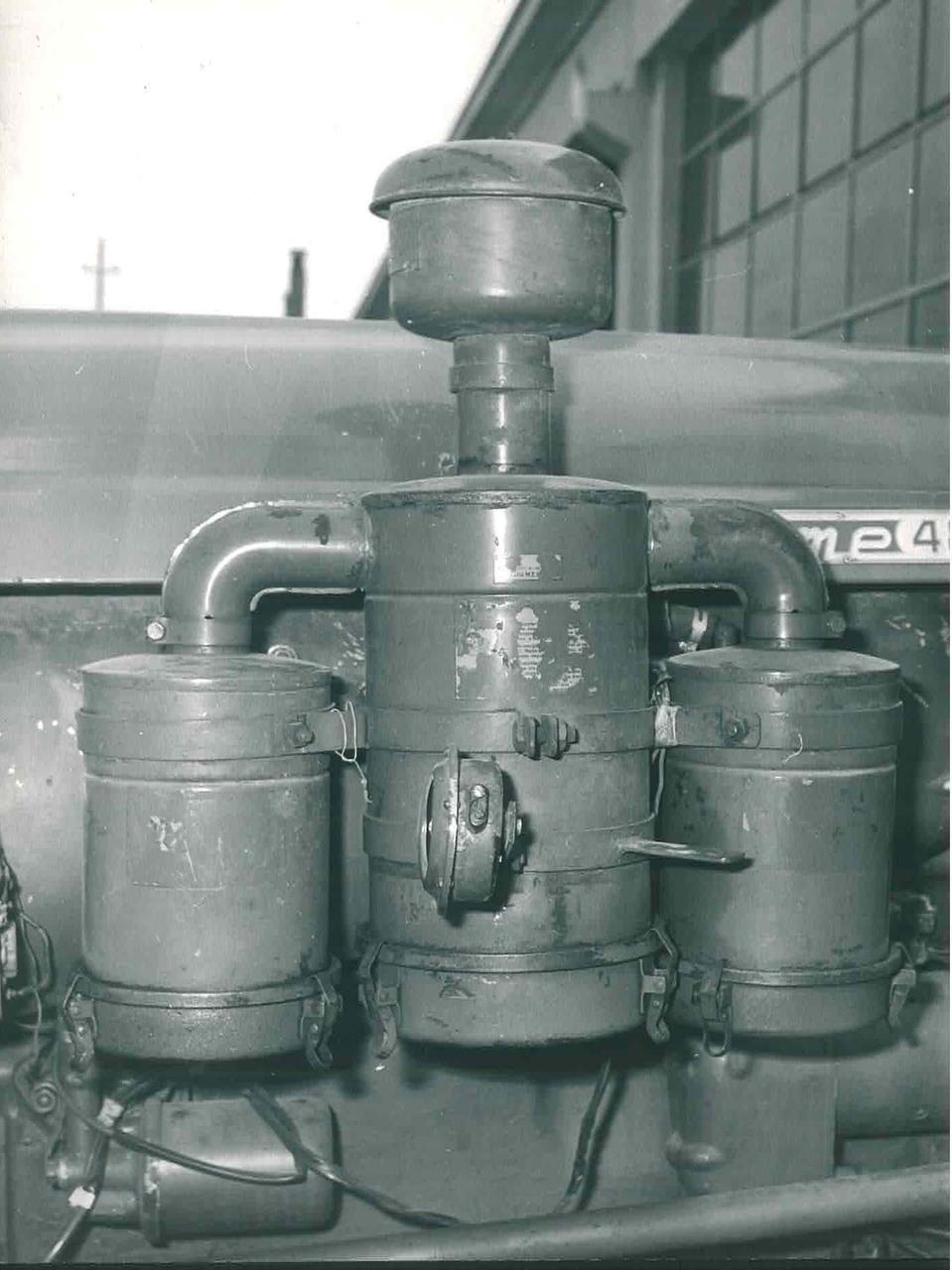 Trattore SAME 480 - Particolare dei filtri deserto