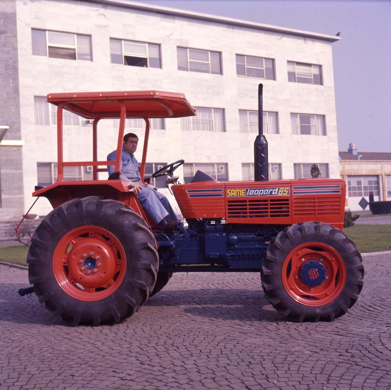 [SAME] trattore Leopard 85 4RM presso lo stabilimento di Treviglio