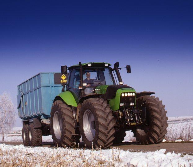 [Deutz-Fahr] trattore Agrotron 210 con rimorchio