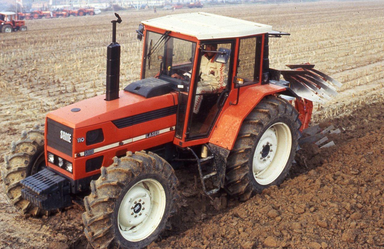[SAME] prove in campo di aratura del trattore Laser 110