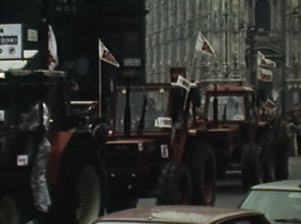 SAME presenta: i nuovi agricoltori europei sfilano in un'imponente manifestazione per le vie di Milano