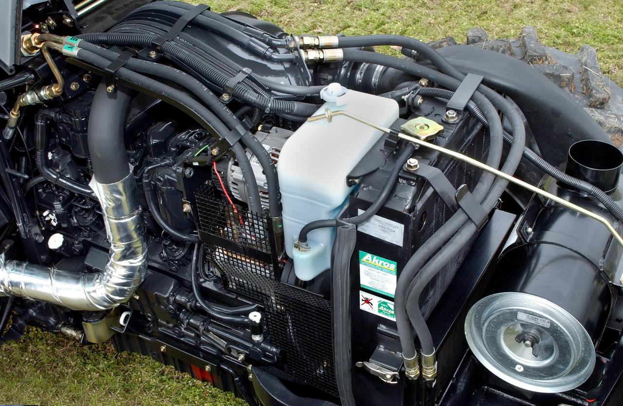 [SAME] trattore Explorer 85 all'aperto e dettagli