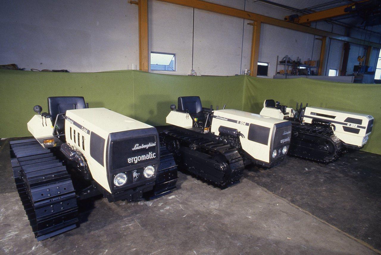 [Lamborghini] trattori 774, 774-5, 775-V, 1506 Turbo, 550 DT, 660 F, 874-90, C 554 e C 664 Ergomatic in studio fotografico e al lavoro in campo
