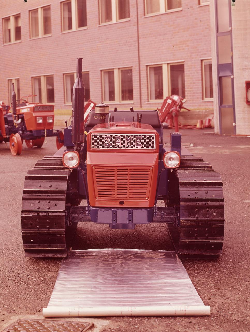 [SAME] trattore Minitauro 60 C presso lo stabilimento di Treviglio