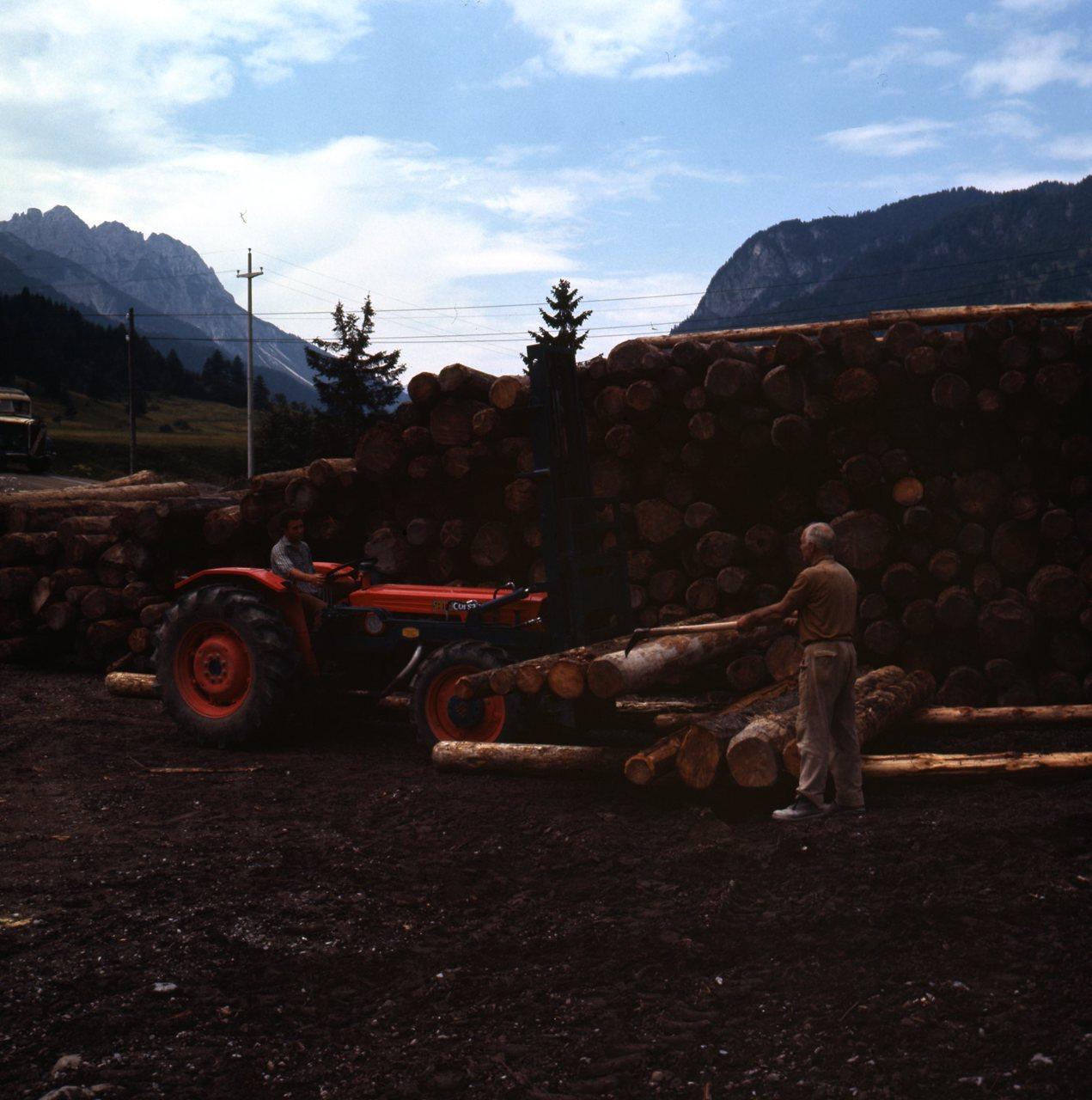 [SAME] Corsaro 70 2RM e 4RM presso azienda Paolino de Sante di Forni di Sopra (Udine), 20/7 e 1/5/1972