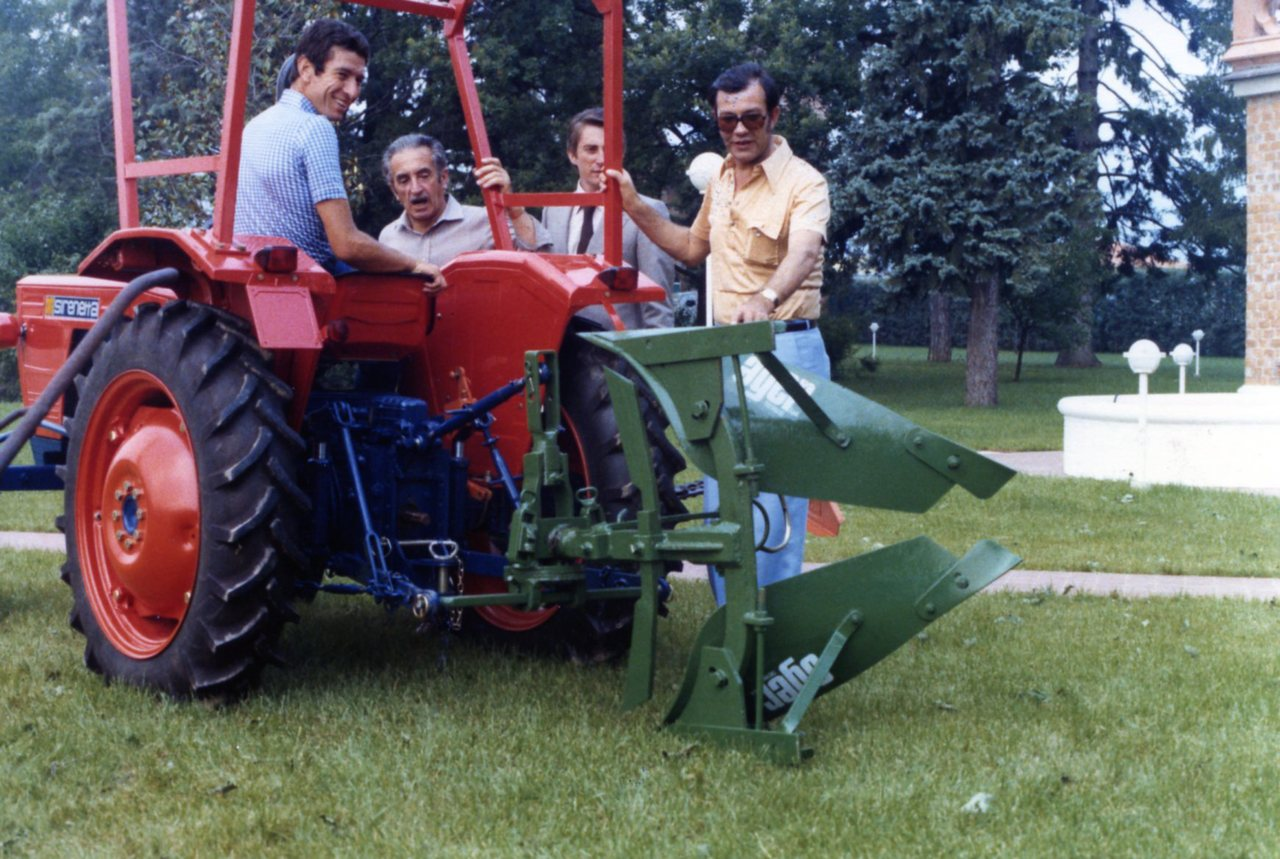 Consegna del trattore SAME Sirenetta a Felice Gimondi