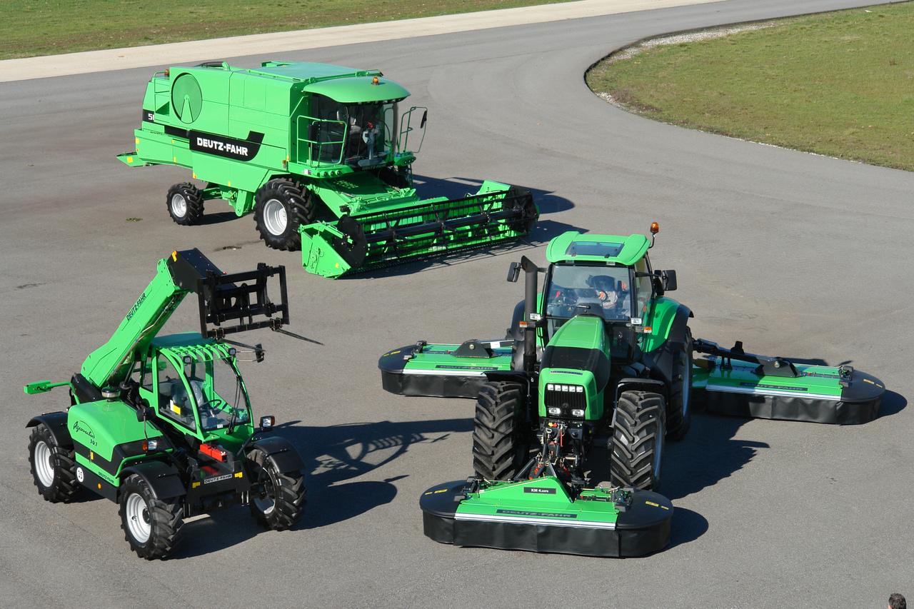 [Deutz-Fahr] trattore Agrovector 30.7, mietitrebbia 5690 HTS e Agrotron X 720 con KM 4.29 FS