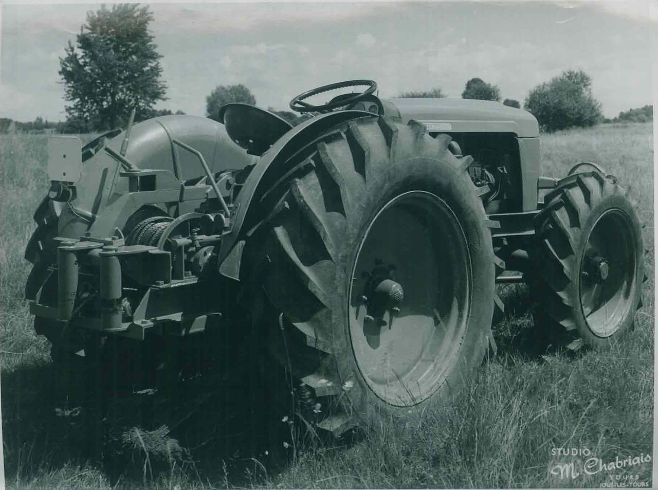 Trattore SAME 480 a quattro ruote motrici