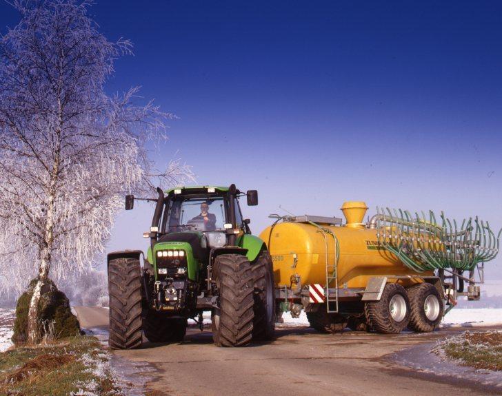 [Deutz-Fahr] trattore Agrotron 210 con carrobotte