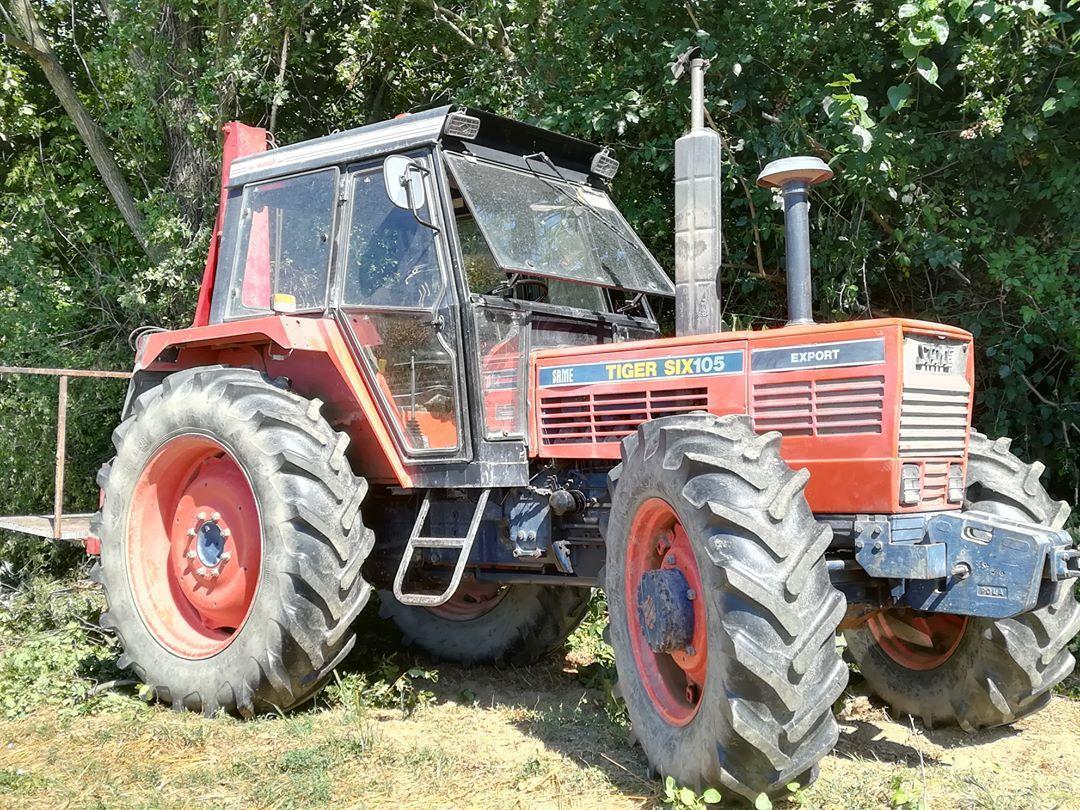 [SAME] trattore Tiger Six 105 impegnato in lavori forestali