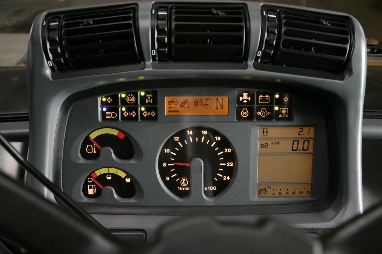 [Deutz-Fahr] particolari trattore Agrotron 180.7