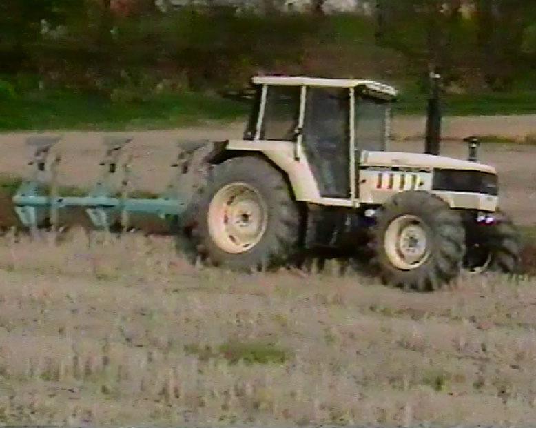 2: Der antrieb - Der allrad und der hinterrad traktoren - Die automatische kontrollstation: verkäufer - handbuch