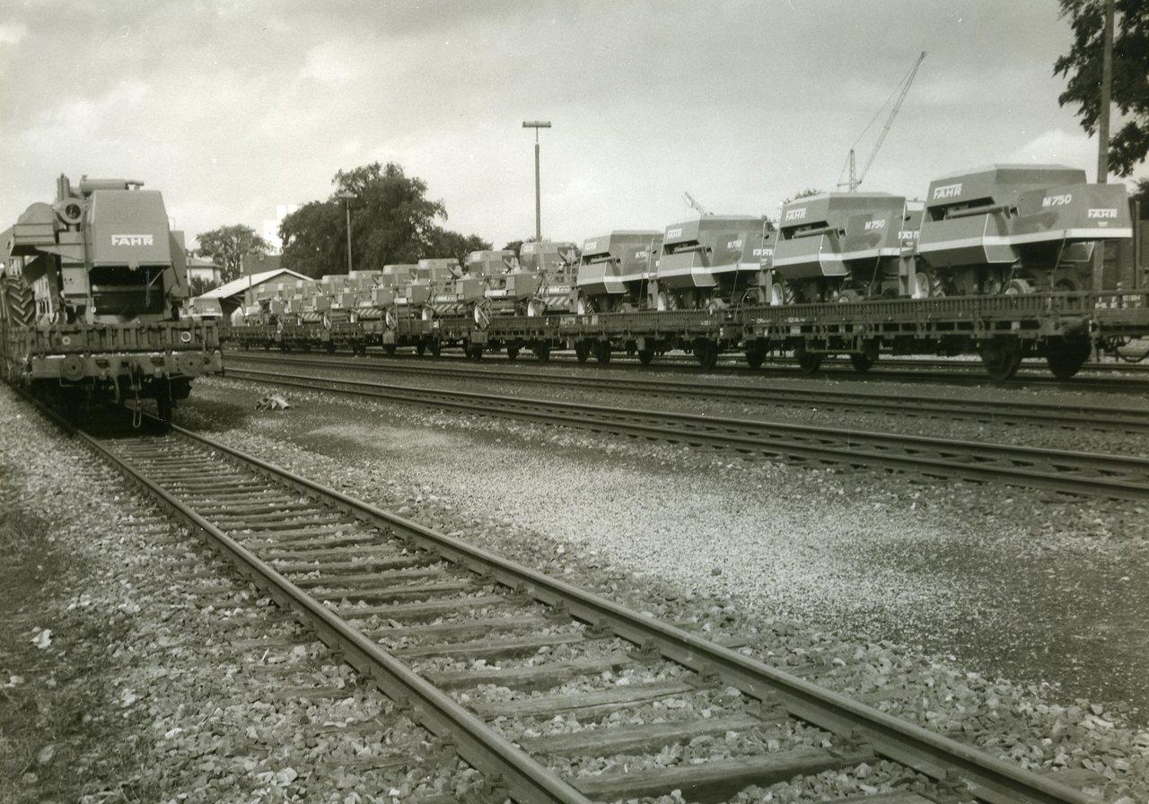 [Fahr] Trasporto su treno delle mietitrebbie M750