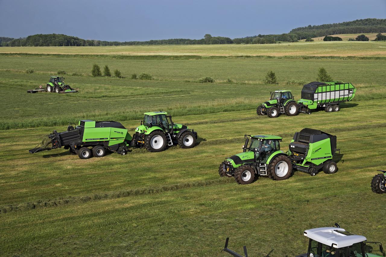 [Deutz-Fahr] trattori serie Agroplus e serie Agrotron, prove in campo con attrezzatura per fienagione