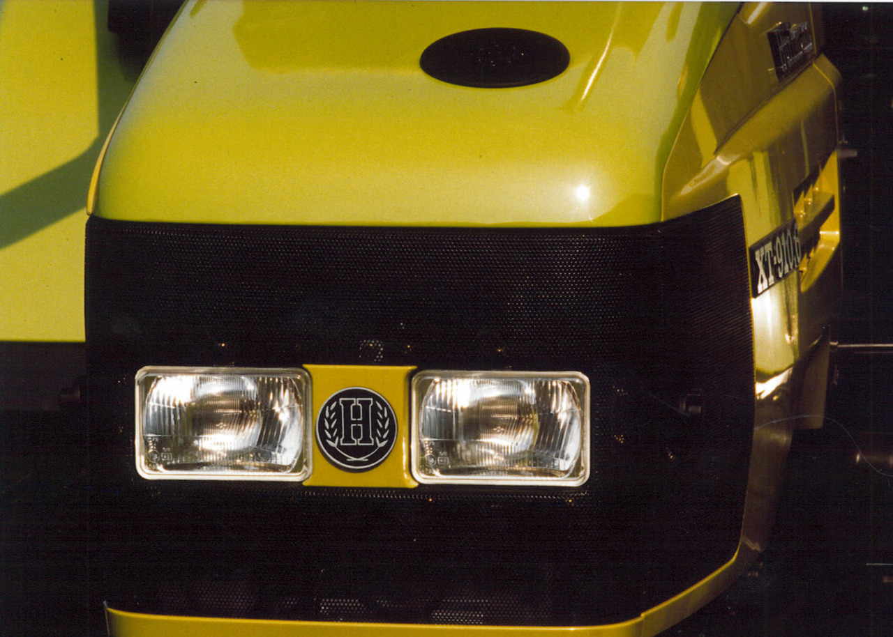 Mascherina frontale del trattore Hürlimann XT-910.6