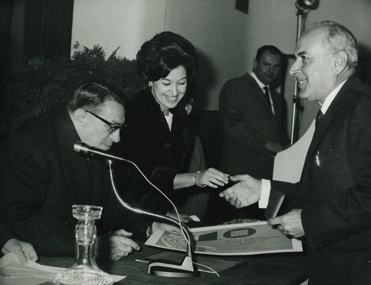 Ing. Francesco Cassani durante la premiazione del concessionario Coscia