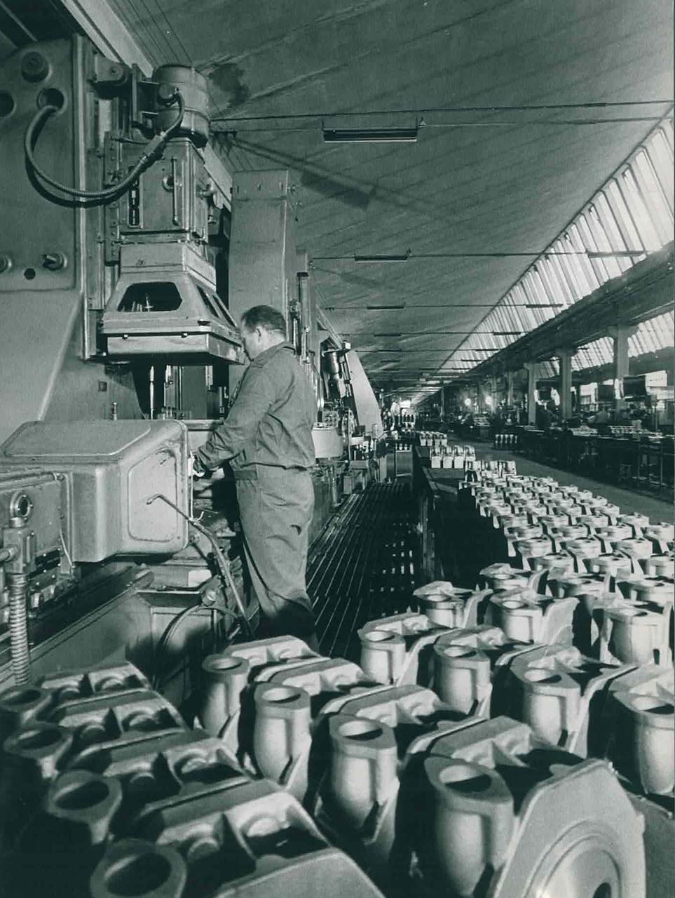 Stabilimento Same Lavorazione teste motore