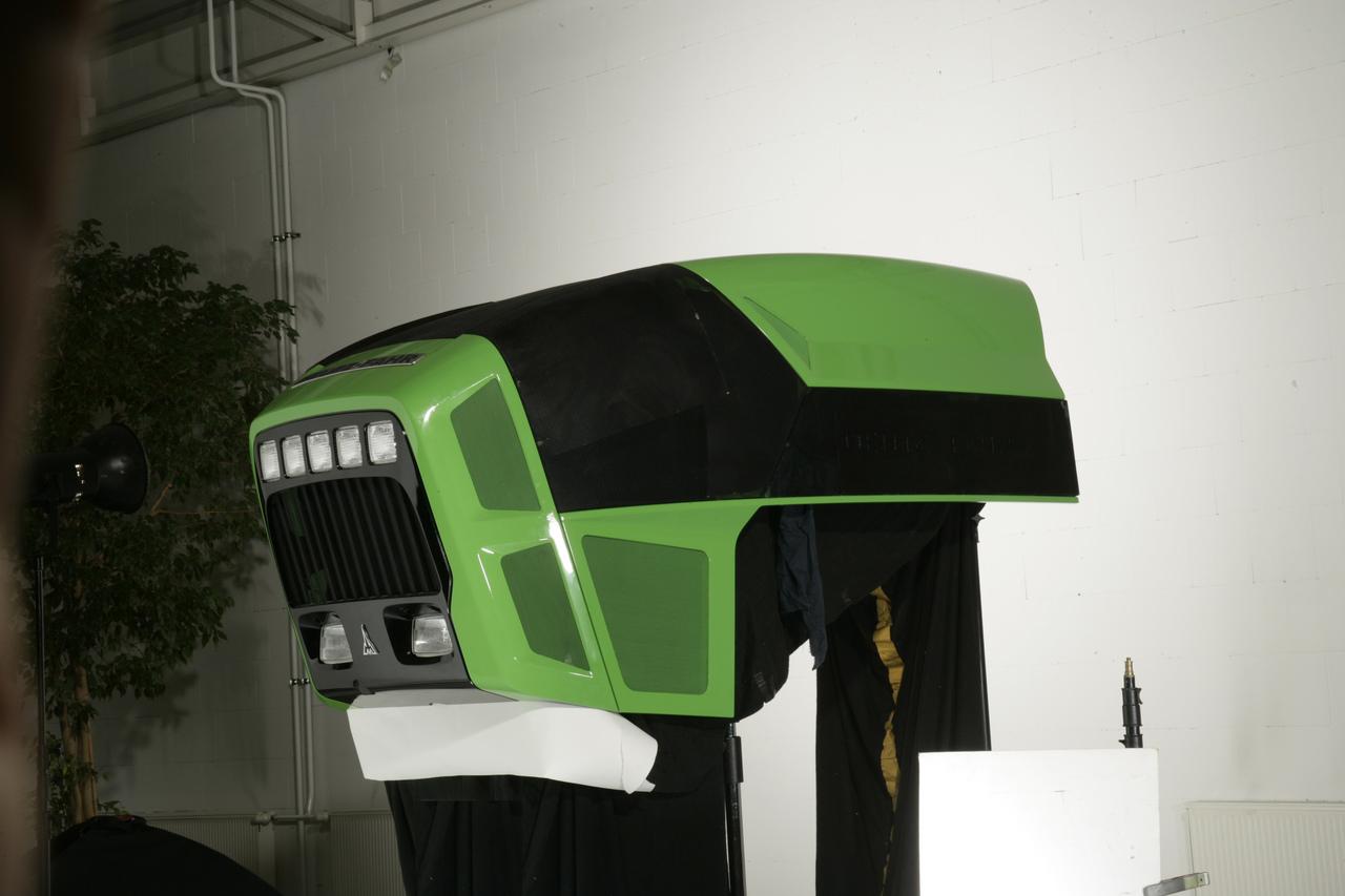 [Deutz-Fahr] cofano del trattore Agrotron 265