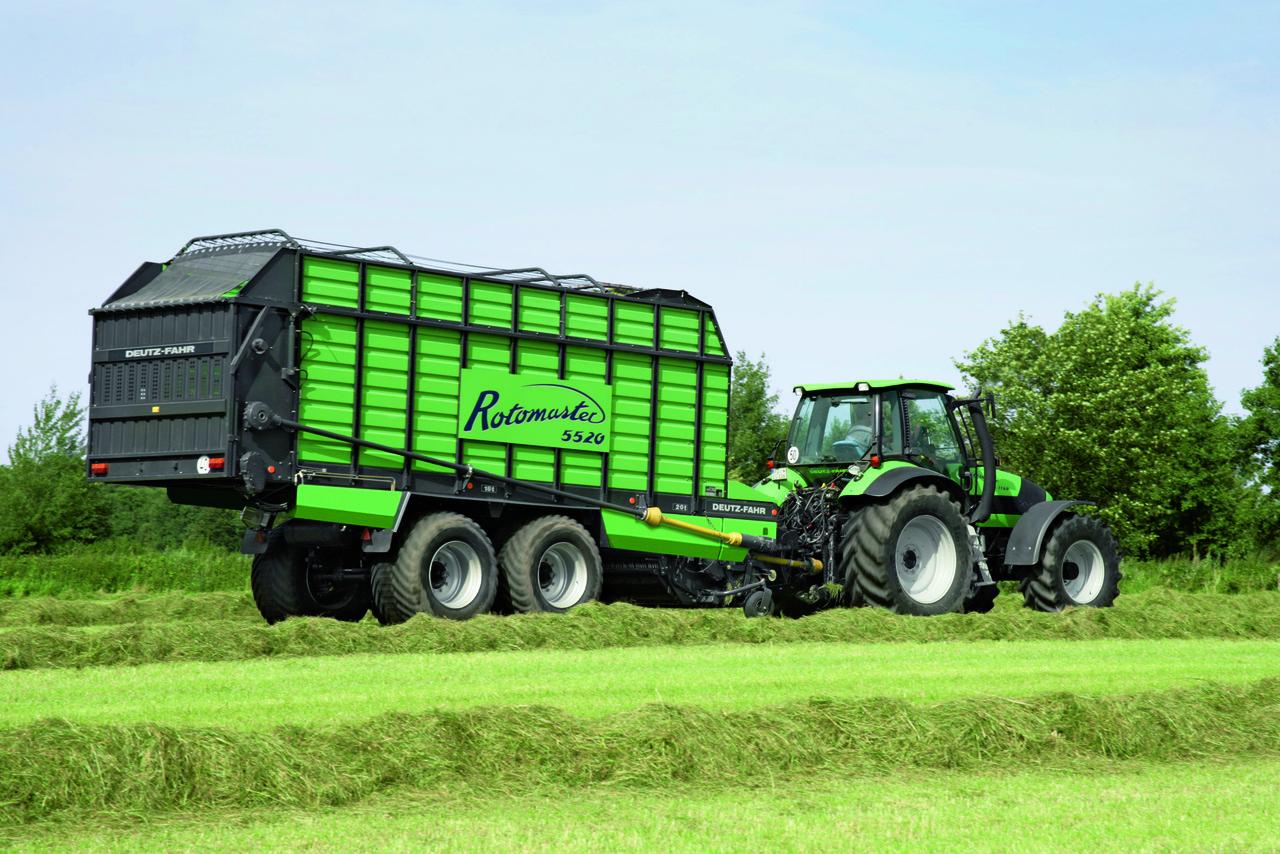 [Deutz-Fahr] trattore Agrotron TTV 1160 al lavoro con Rotomaster 5520
