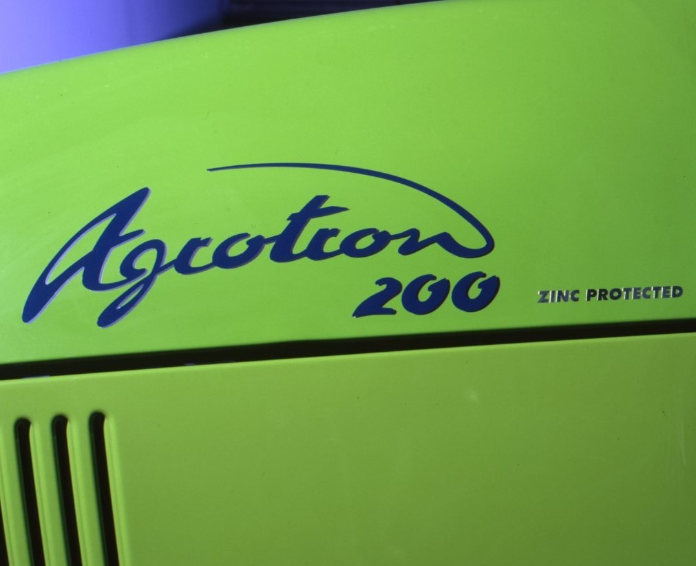 [Deutz-Fahr] trattore Agrotron 200 dettagli