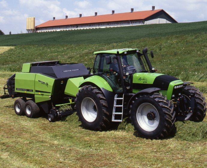 [Deutz-Fahr] trattore Agrotron 210 con rotopressa