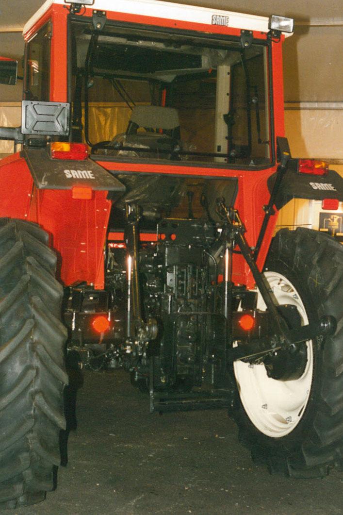 Particolare posteriore di un trattore SAME Explorer 90 Turbo