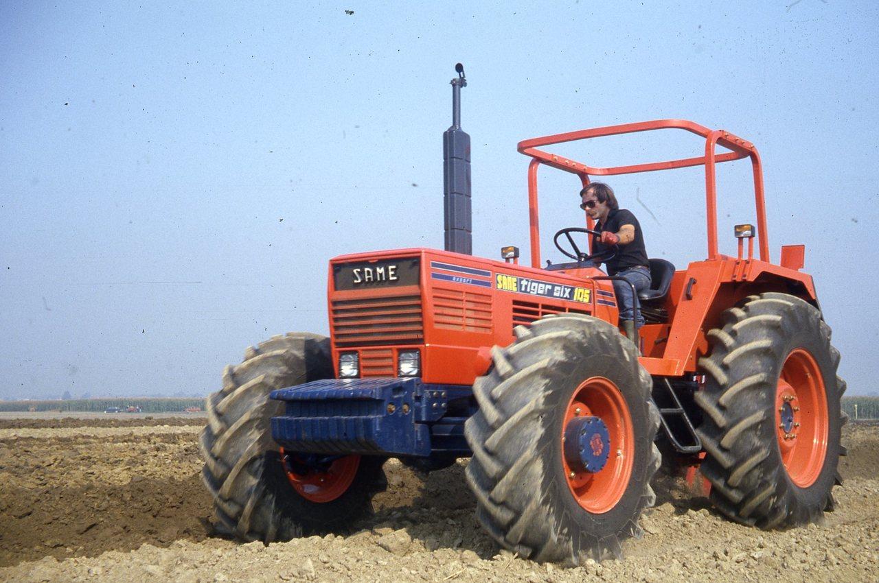 [SAME] trattore Tiger Six 105 al lavoro in campo