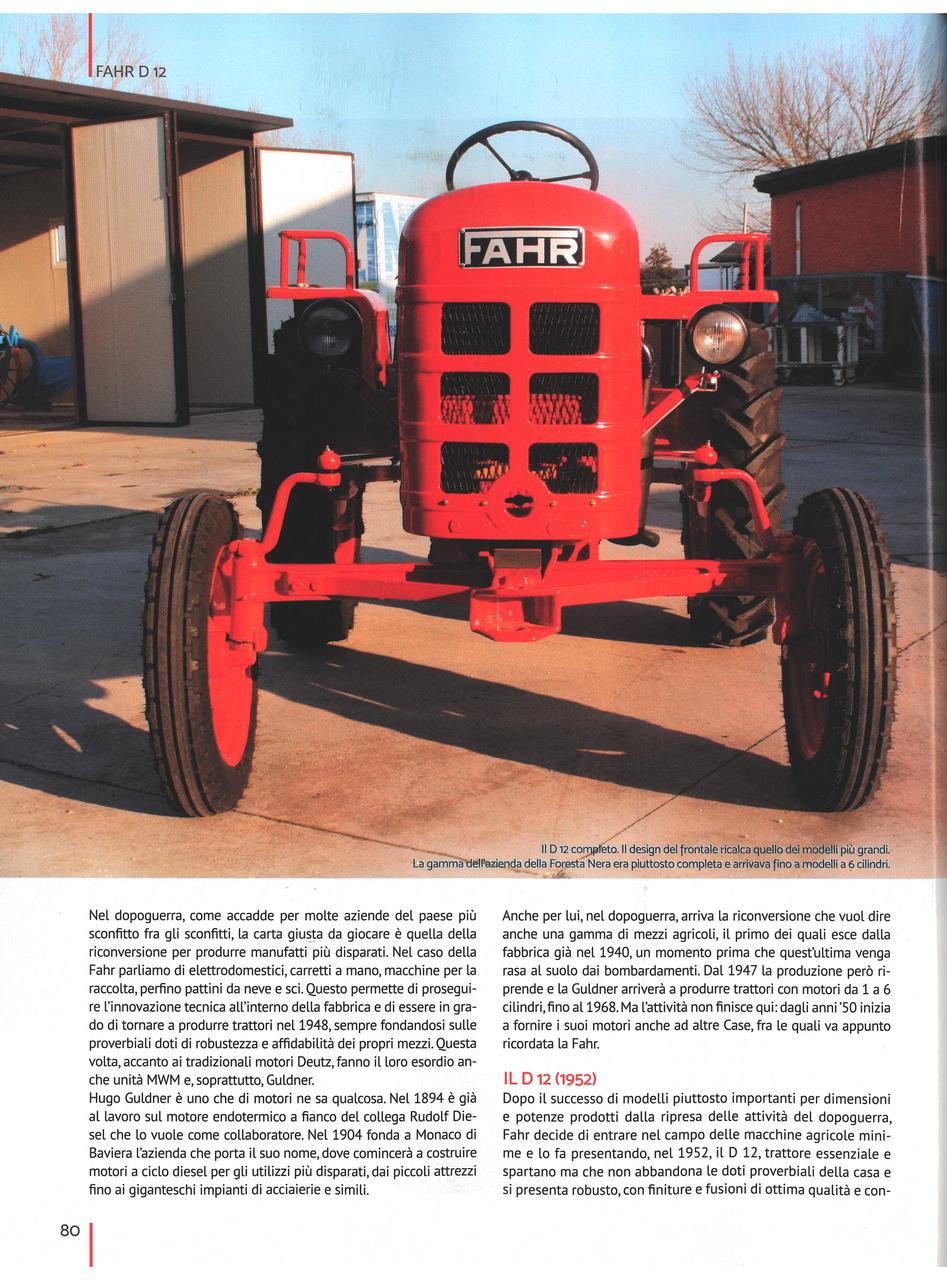 Piccolo trattore rosso