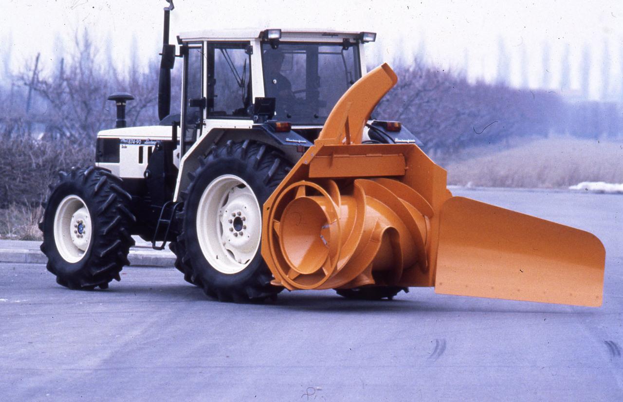 [Lamborghini] trattori 1306 Turbo, 874-90, 550 DT, 956, 115, 1706 in studio fotografico