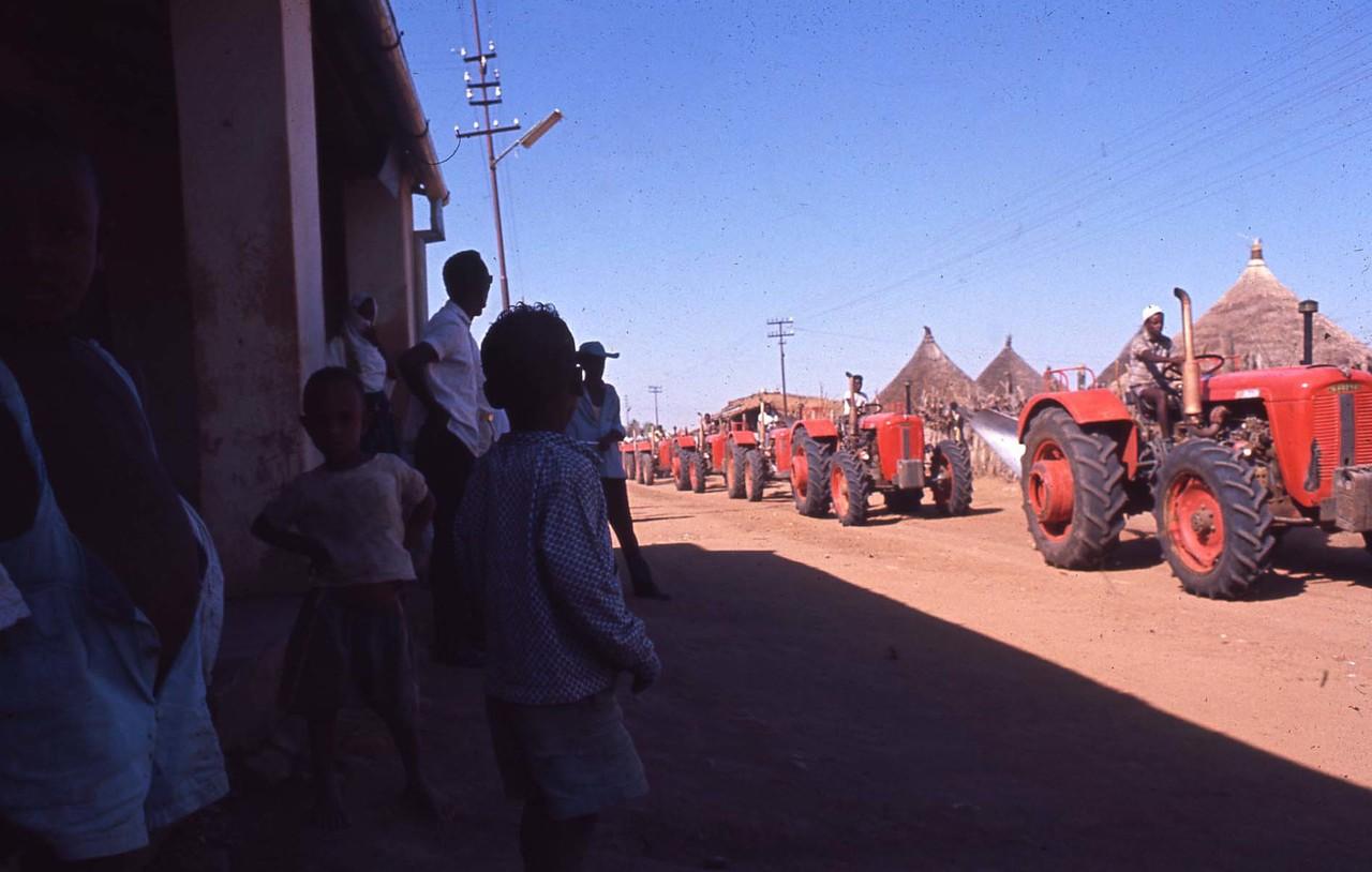 [SAME] Trattori Same in Africa, Dicembre 1967 [360C, Ariete, Atlanta, Centauro]
