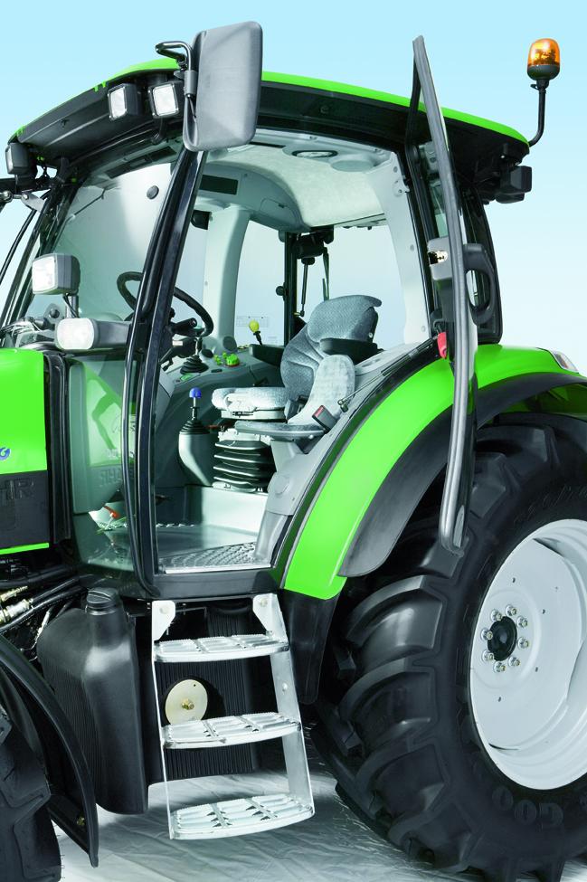 [Deutz-Fahr] trattore Agrotron K 120 in studio fotografico e particolari
