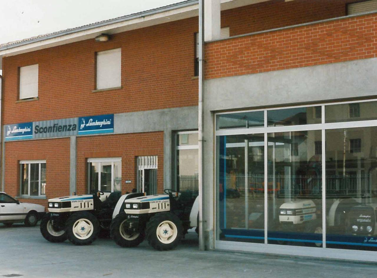 "Concessionario Lamborghini ""Sconfienza"""