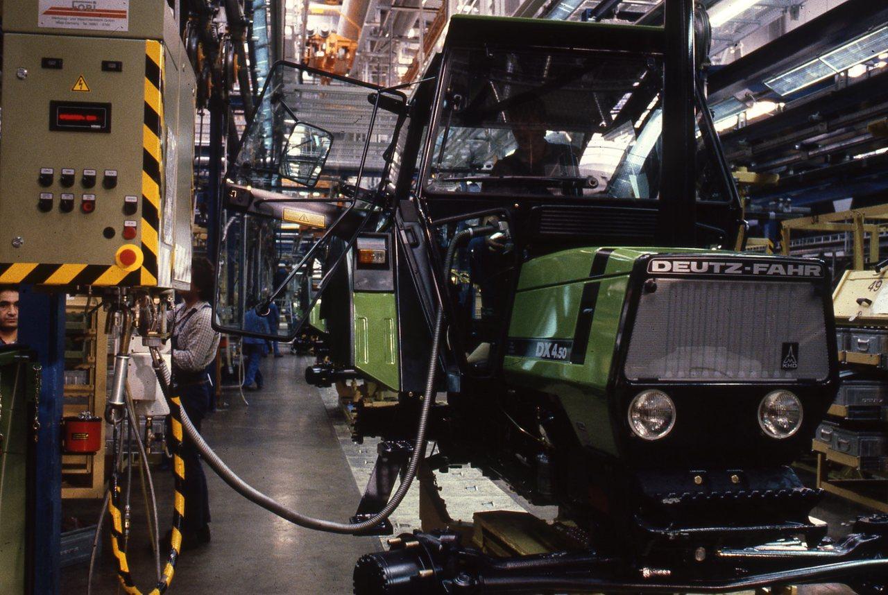 Stabilimento Deutz-Fahr a Lauingen, assemblaggio trattori