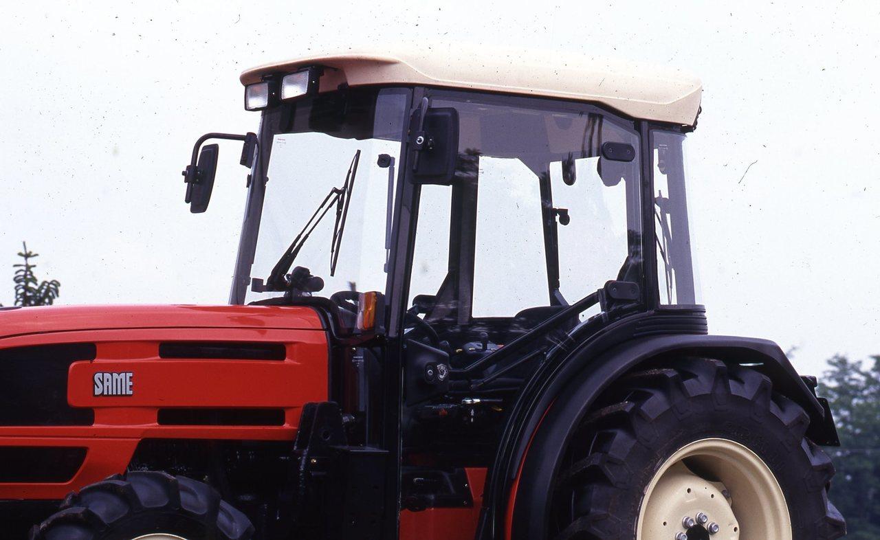 [SAME] trattore Golden visto di profilo e frontalmente, e particolare cabina