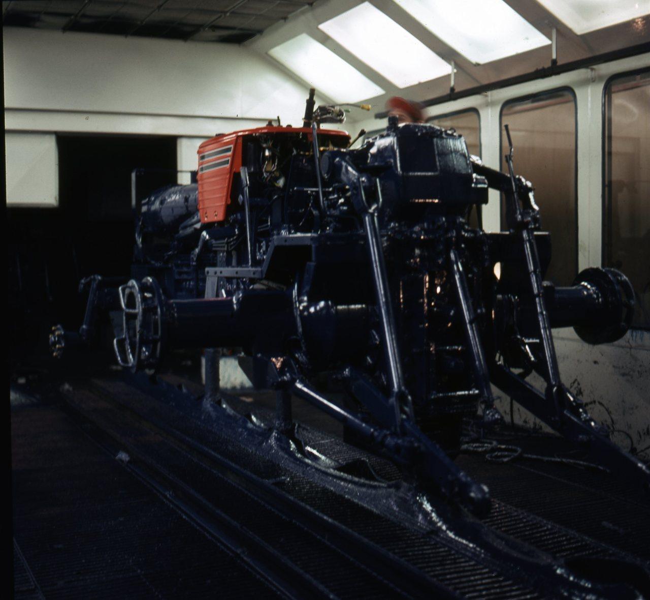 Stabilimento Same - Cabina di verniciatura