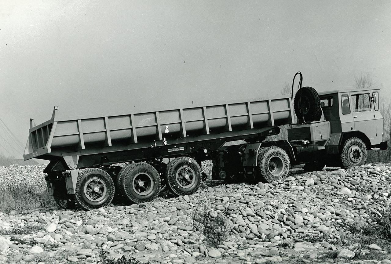 Samecar Elefante TS/A 4x4 con cassone ribaltabile in cava