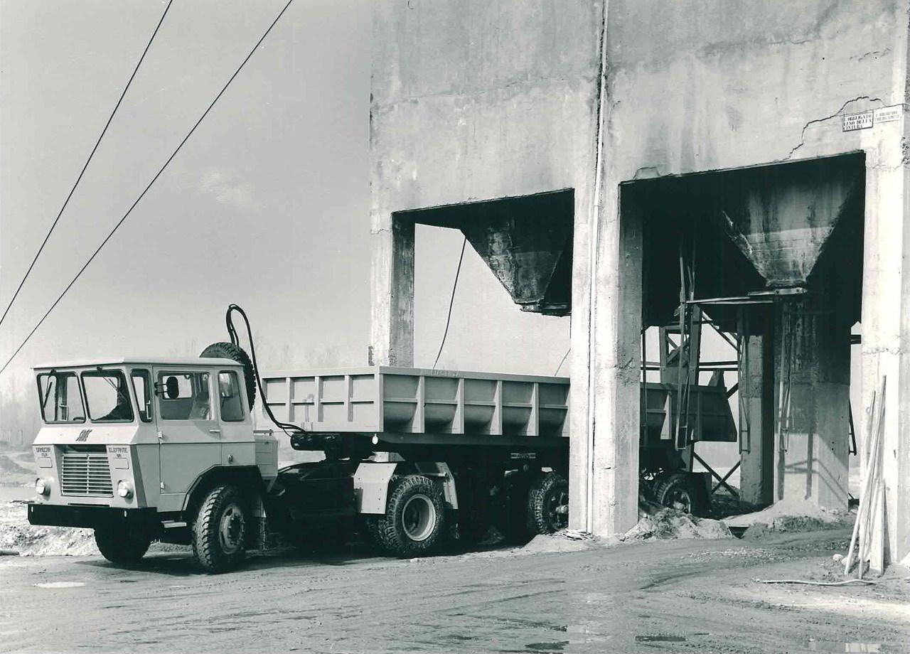 Samecar Elefante TS/A 4x4 autoarticolato in cava