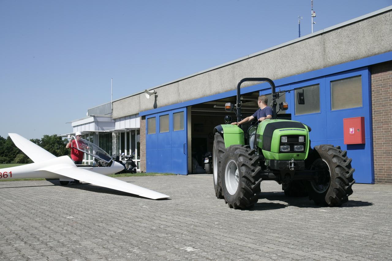 [Deutz-Fahr] Agrolux al lavoro in aereoporto