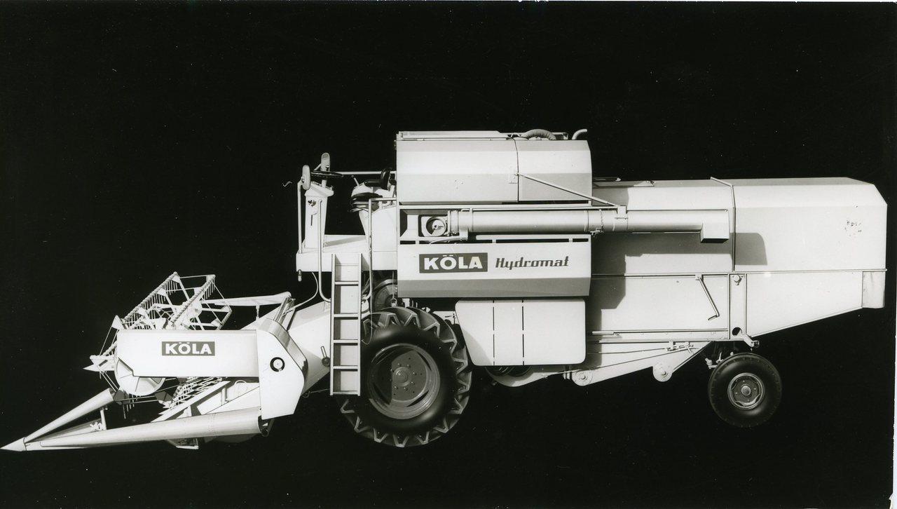 [Köla] Illustrazione di mietitrebbia Hydromat