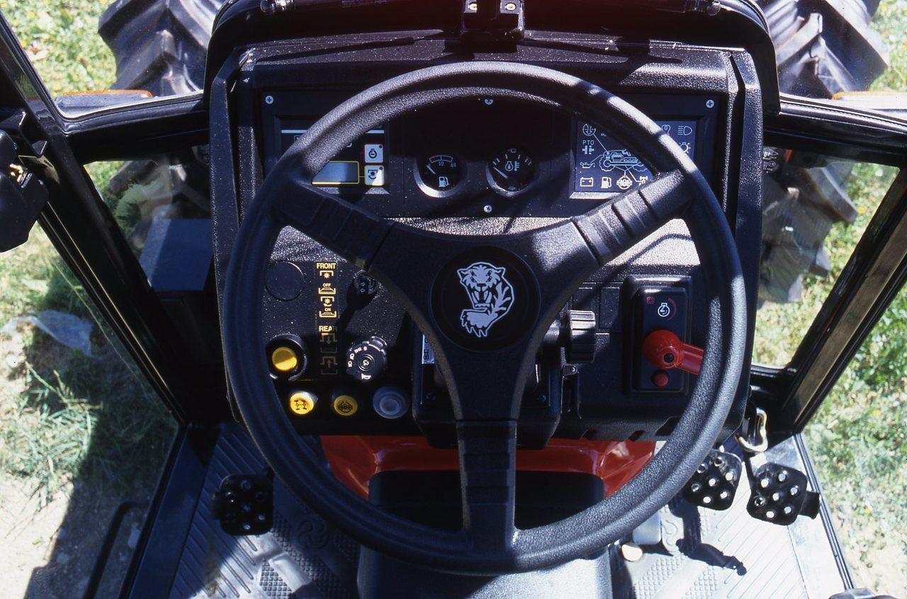 [SAME] particolari del trattore Frutteto II