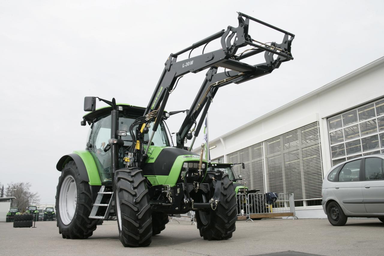 [Deutz-Fahr] trattore Agrotron K100 con caricatore anteriore