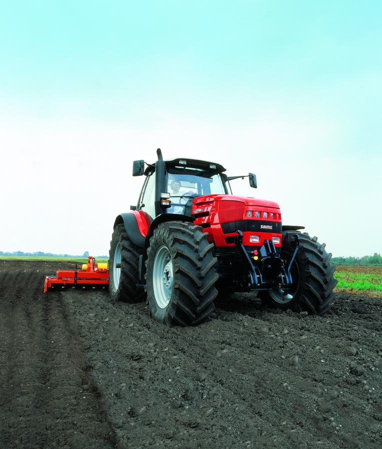 [SAME] trattori serie Iron al lavoro con fresa, aratro e carrobotte