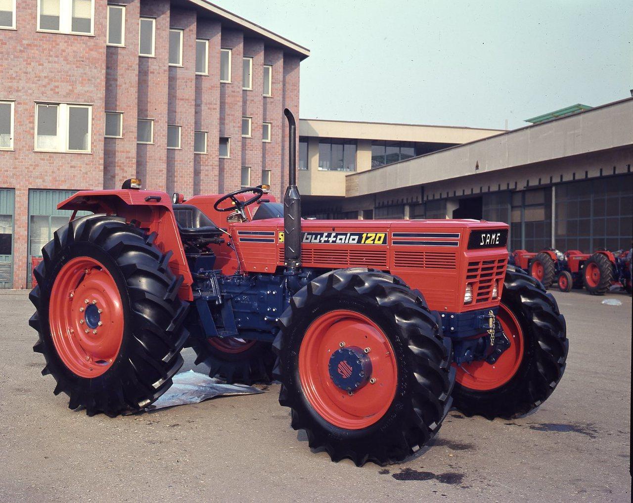 [SAME] trattore Buffalo 120 presso lo stabilimento di Treviglio