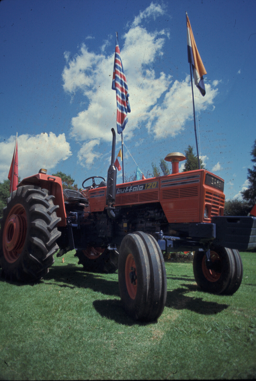[SAME] trattore Buffalo 120 ad una manifestazione