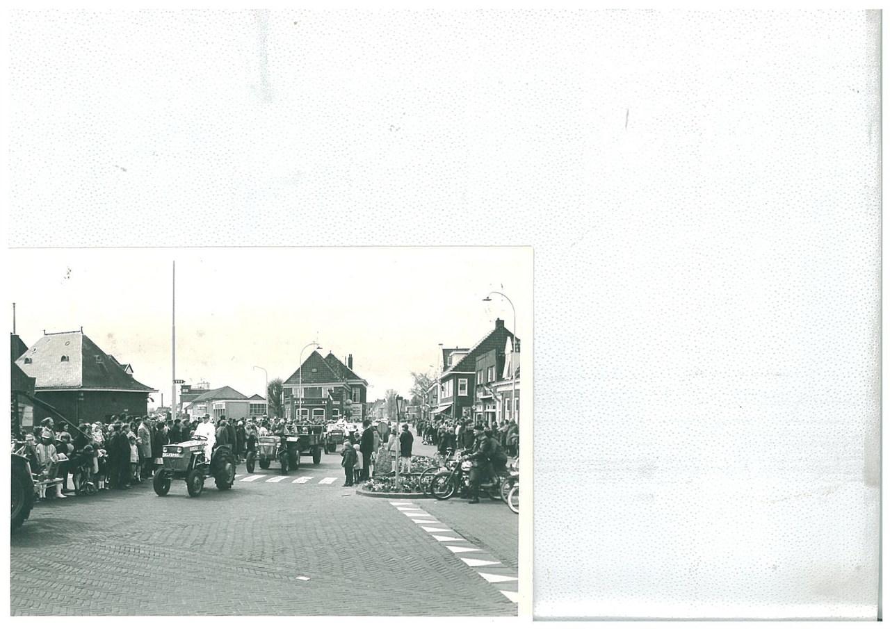 Sfilata di trattori SAME per l'annivarsario della Regina Giuliana d'Olanda