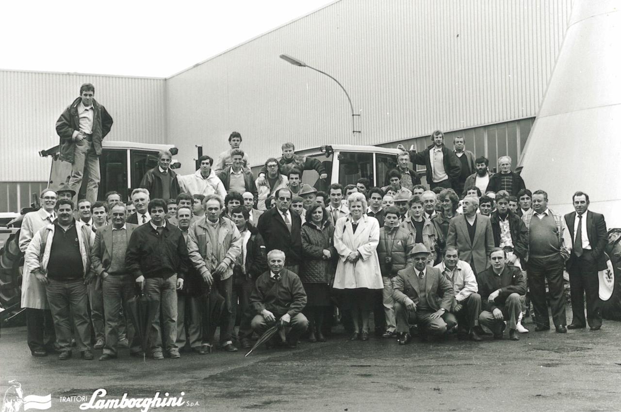 Gruppo di Parma in visita allo stabilimento Lamborghini di Pieve di Cento
